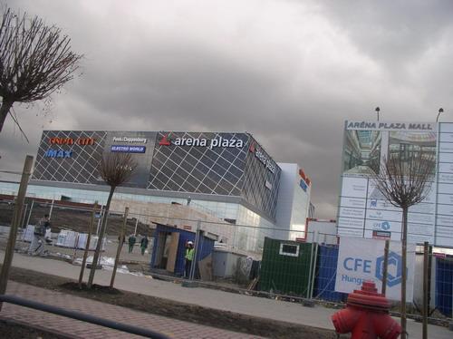 Aréna Pláza - betonból